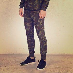 Nike Tech Fleece Camo pant